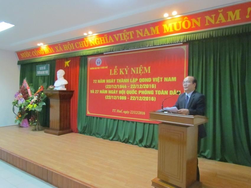 GS.Võ Tam - Phó Bí thư Đảng ủy, Phó Hiệu trưởng Trường phát biểu tại lễ kỷ niệm