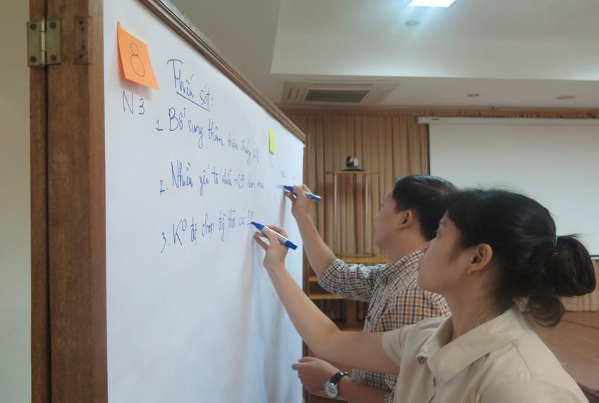 Các Hội thảo viên cùng thảo luận về trường hợp lâm sàng BPL