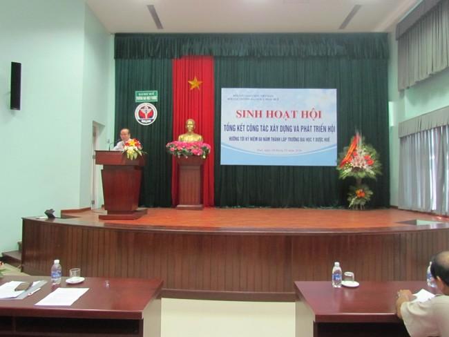 GS.TS Võ Tam, Phó Bí thư Đảng ủy, Phó hiệu trưởng phát biểu tại buổi sinh hoạt Hội CGC