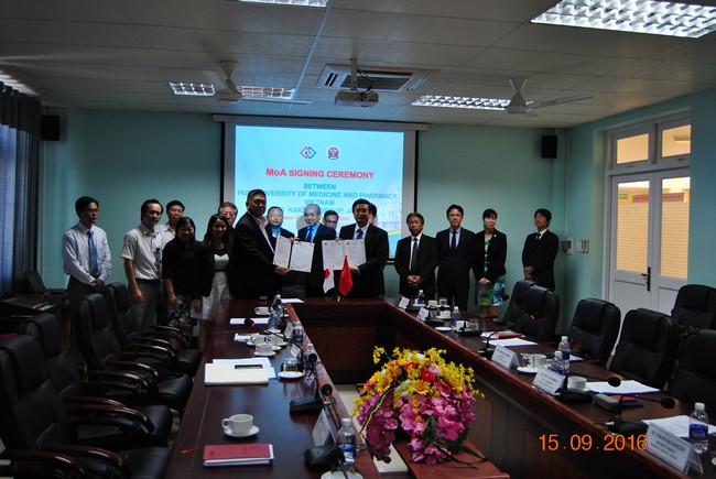The Signing Ceremony of Cooperation between Hue University of Medicine and Pharmacy and KAIOKAI Corporation