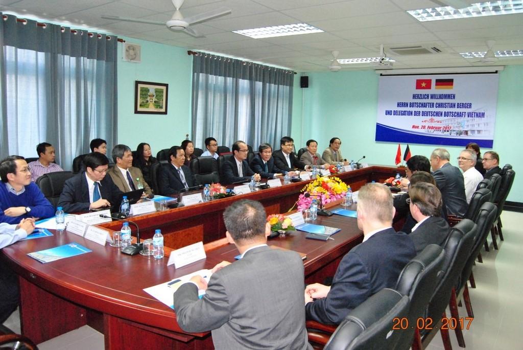Cuộc gặp gỡ giữa đoàn Đại sứ quán CHLB Đức và Trường Đại học Y Dược Huế