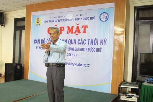 Thầy Đoàn Văn Quýnh, Tổ trưởng tổ công đoàn đầu tiên khi mới thành lập  công đoàn Đại học Y khoa Huế vào ngày 19.5.1976