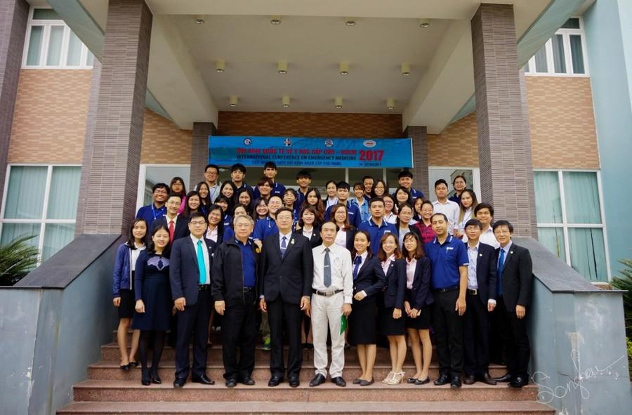 Hình 2: Chào đón đoàn cán bộ và sinh viên trường Đại học Thammasat – Thái Lan