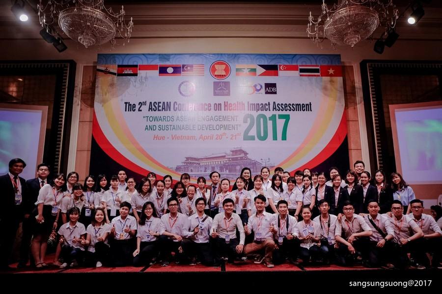 Hình 3: Tham gia Hội nghị Asean lần 2 về đánh giá tác động môi trường