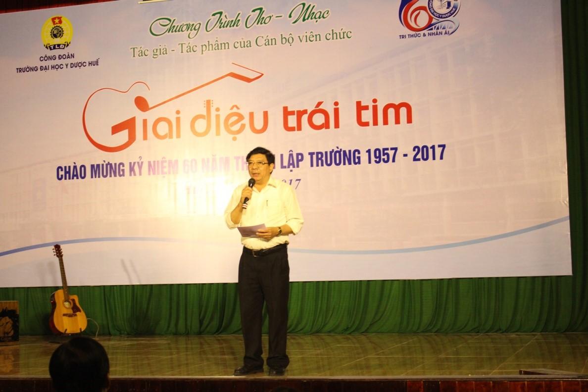 TS. Nguyễn Việt Đức, Giám đốc Học viện âm nhạc Huế, phát biểu  khai mạc